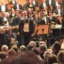 Hallenser 4. Sinfoniekonzert mit Beethovens 5.: Tosender Beifall für Pianistin Schirmer und Dirigent Klingele